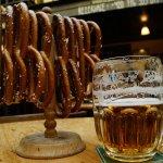 Come Assaggiare Praga Birra e Pretzel