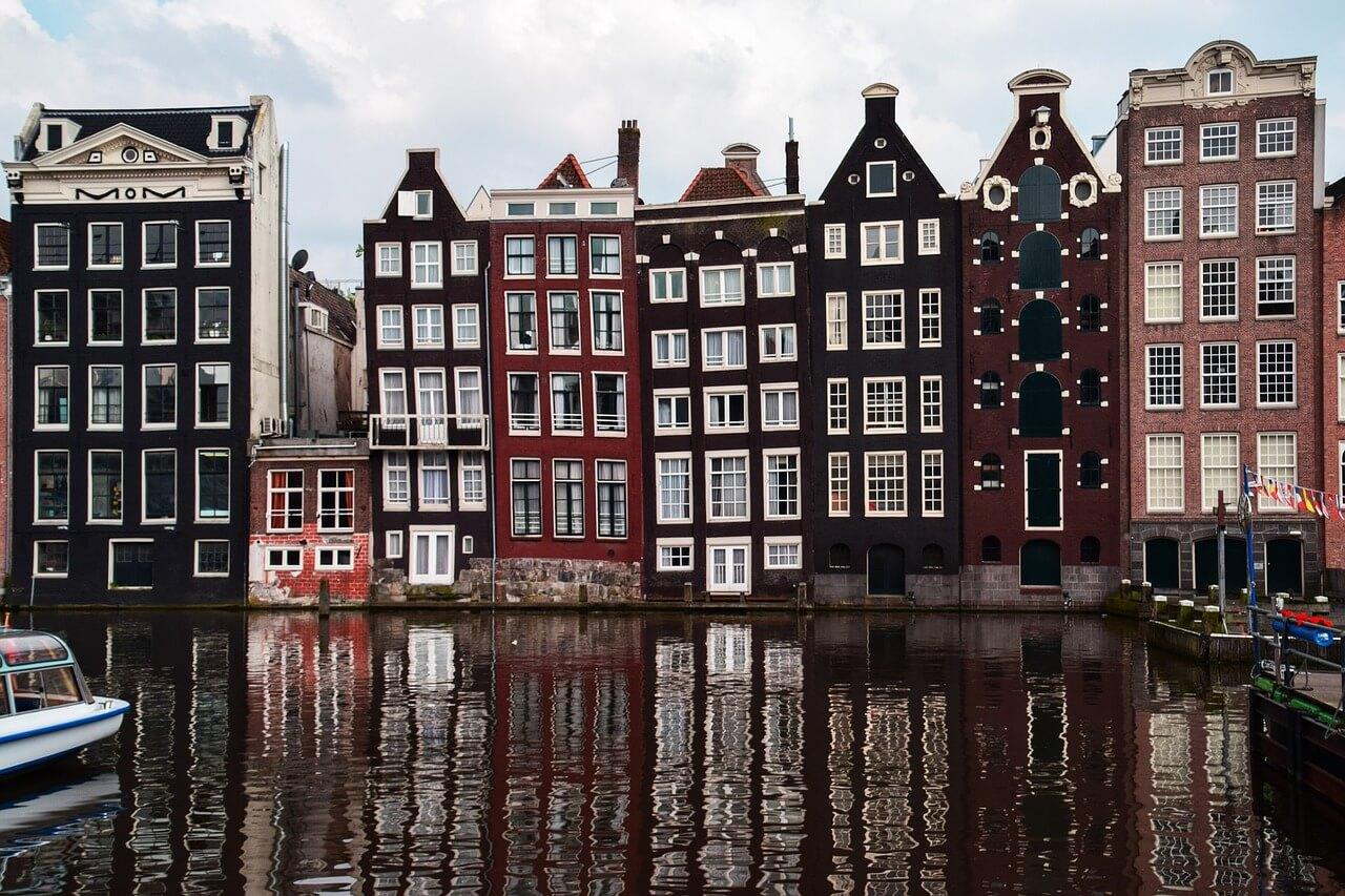 Beautiful Soggiornare Ad Amsterdam Gallery - Design Trends 2017 ...